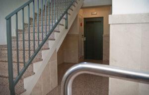 ascensor hidraulico seis personas escalera