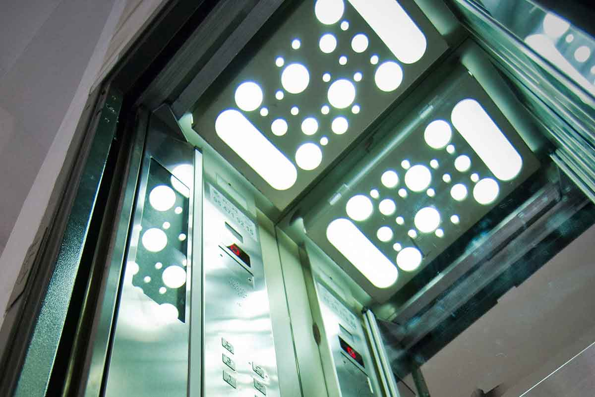 ascensor unipersonal sevilla